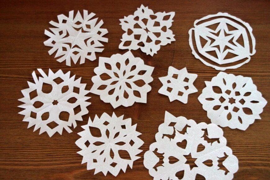 Поделка снежинки своими руками: мастер-класс по вырезанию красивых снежинок из бумаги (100 фото)